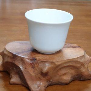 純白小茶杯